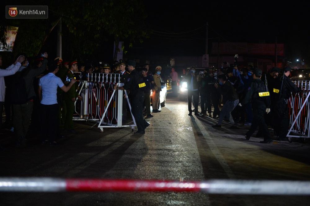 Ảnh: Chính thức dừng cách ly xã Sơn Lôi, người dân vui mừng được quay lại cuộc sống bình thường - Ảnh 2.
