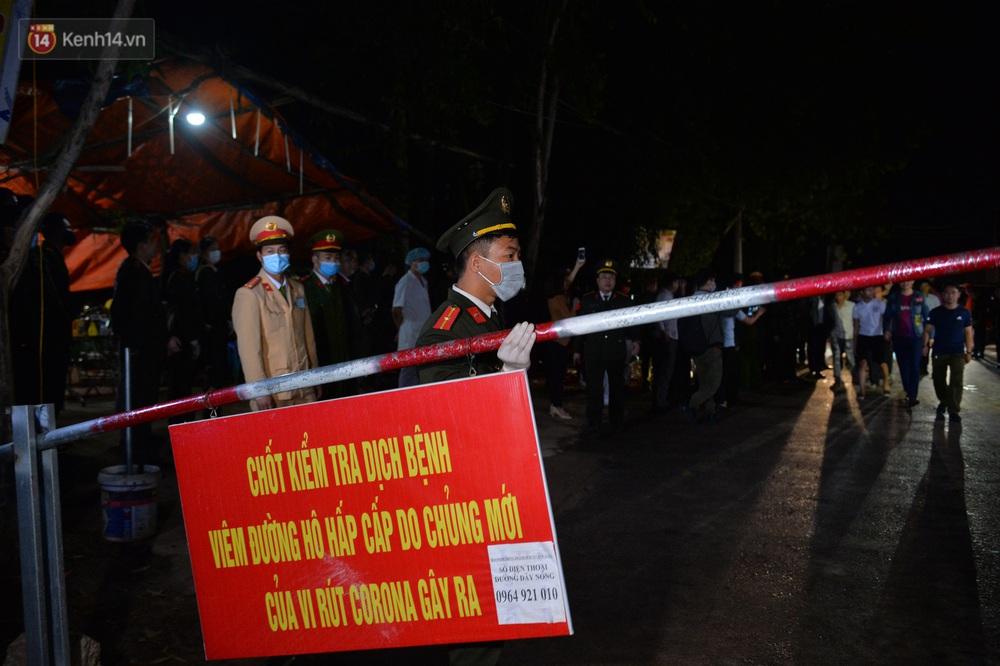 Ảnh: Chính thức dừng cách ly xã Sơn Lôi, người dân vui mừng được quay lại cuộc sống bình thường - Ảnh 4.