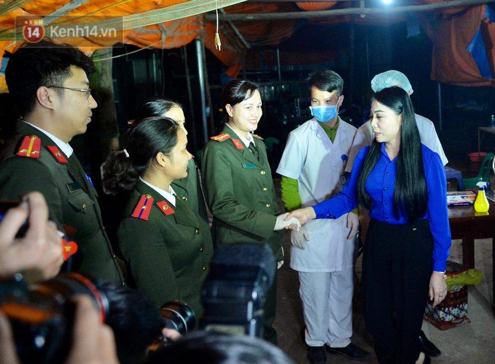 Ảnh: Chính thức dừng cách ly xã Sơn Lôi, người dân vui mừng được quay lại cuộc sống bình thường - Ảnh 9.