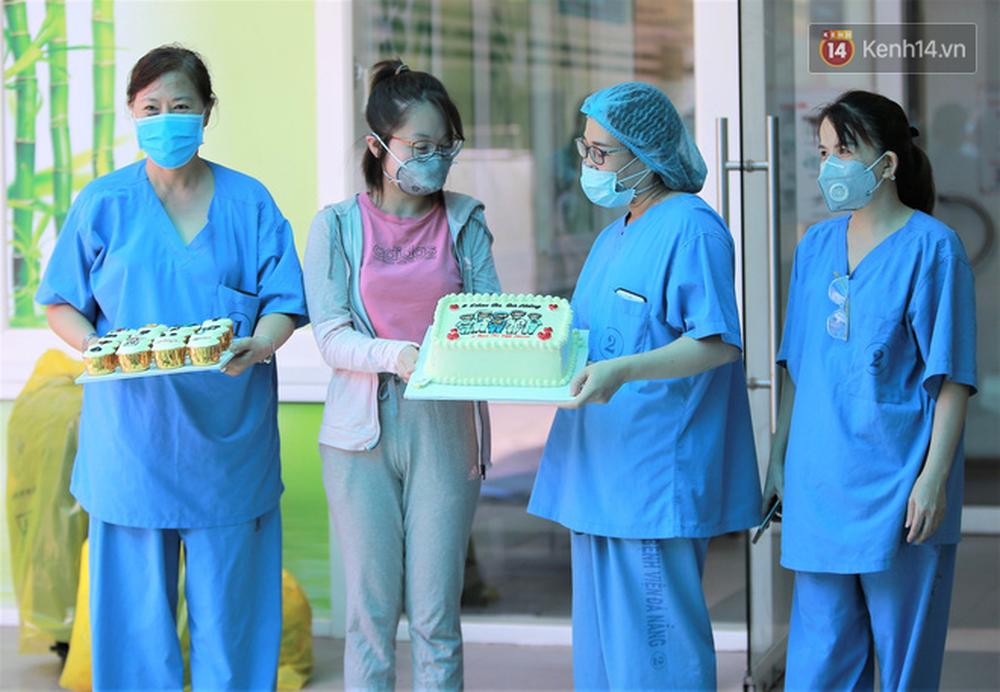 Nụ cười sau lớp khẩu trang của các bác sĩ chữa khỏi 6 ca bệnh Covid-19 ở Đà Nẵng: Tổ quốc gọi, chúng tôi luôn sẵn sàng. Chúng tôi không e sợ! - Ảnh 3.