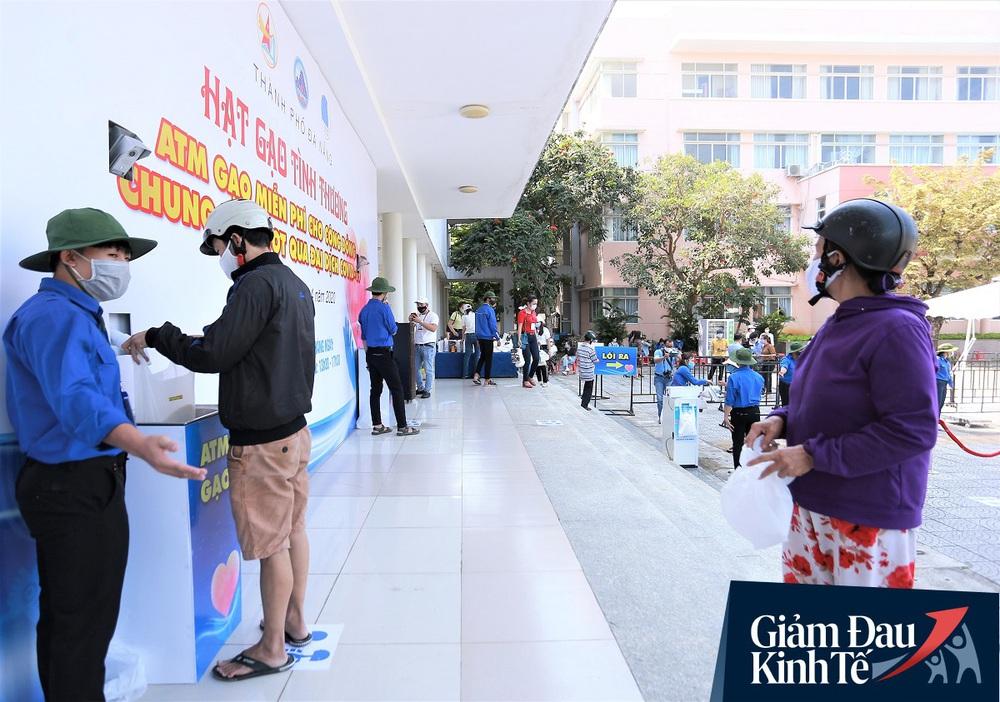 ATM gạo tự động đầu tiên ở Đà Nẵng: Không phân biệt bạn đi xe gì, ai cần cứ đến lấy! - Ảnh 1.