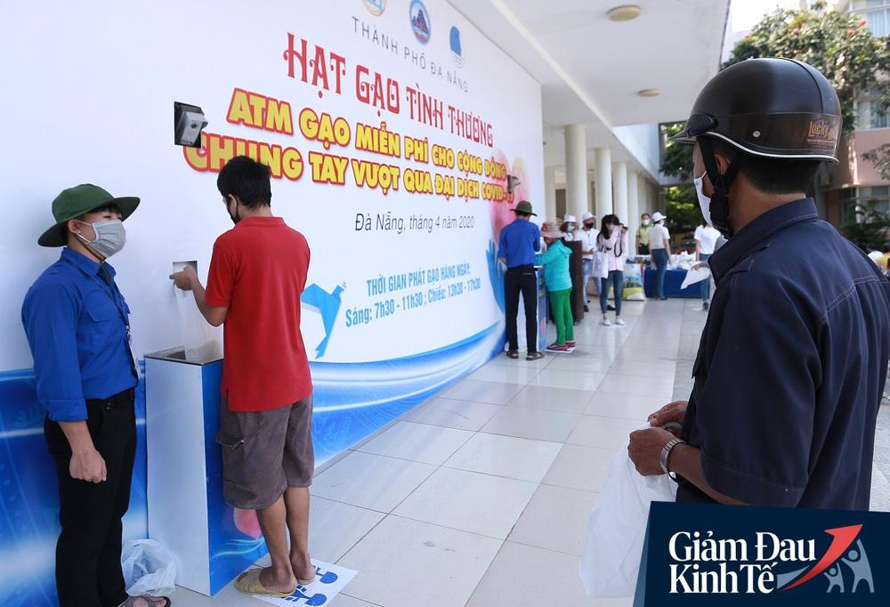 ATM gạo tự động đầu tiên ở Đà Nẵng: Không phân biệt bạn đi xe gì, ai cần cứ đến lấy! - Ảnh 9.