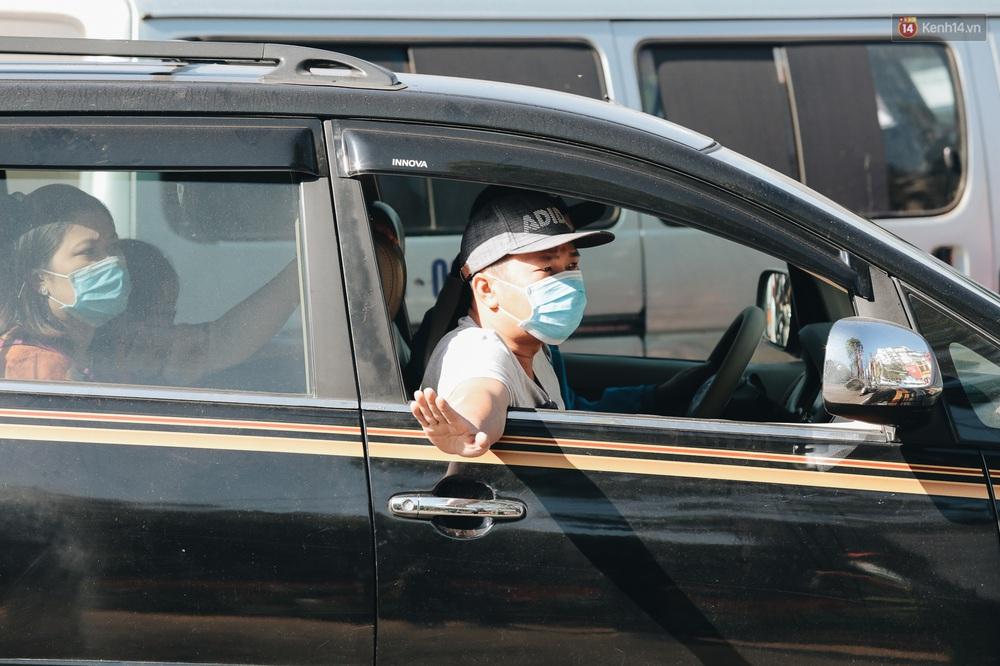 Ngày thứ 3 dịp nghỉ lễ ở Đà Lạt: Vừa ra đường đi chơi, du khách đã nếm mùi kẹt xe nguyên cả buổi sáng - Ảnh 12.