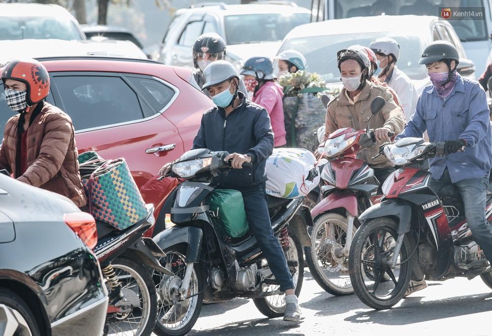 Ngày thứ 3 dịp nghỉ lễ ở Đà Lạt: Vừa ra đường đi chơi, du khách đã nếm mùi kẹt xe nguyên cả buổi sáng - Ảnh 11.