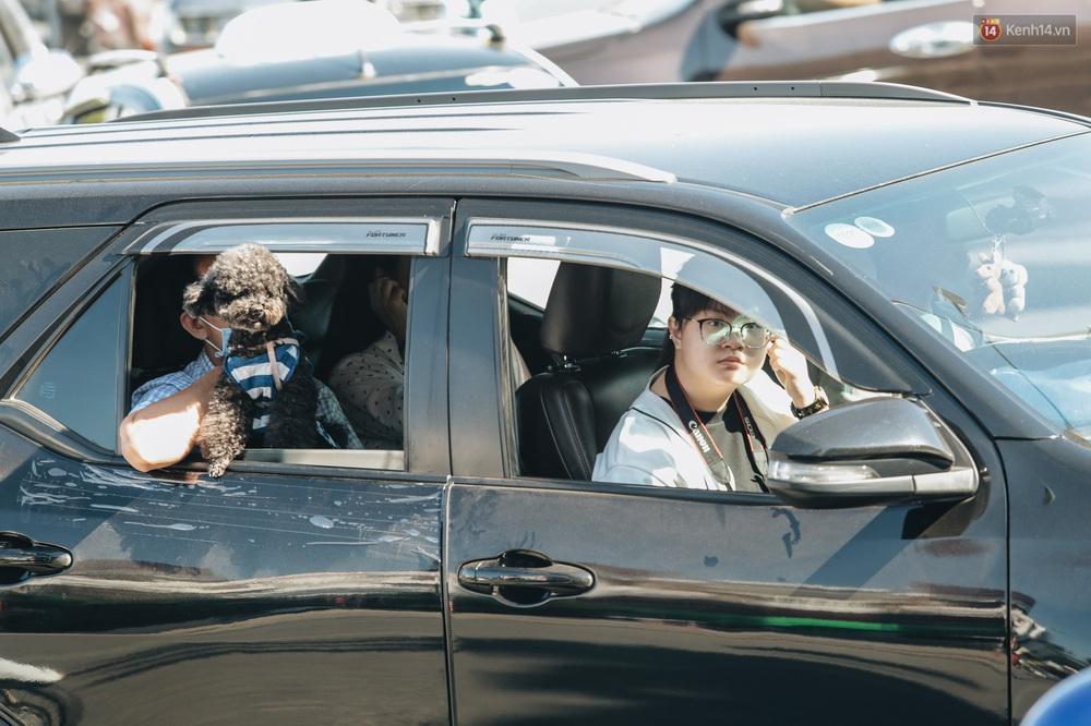 Ngày thứ 3 dịp nghỉ lễ ở Đà Lạt: Vừa ra đường đi chơi, du khách đã nếm mùi kẹt xe nguyên cả buổi sáng - Ảnh 9.