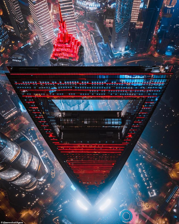 Cầu Vàng vượt qua 10.000 đối thủ giành chiến thắng giải nhiếp ảnh Architecture 2020, một địa danh khác của Việt Nam cũng lọt top đề cử - Ảnh 2.