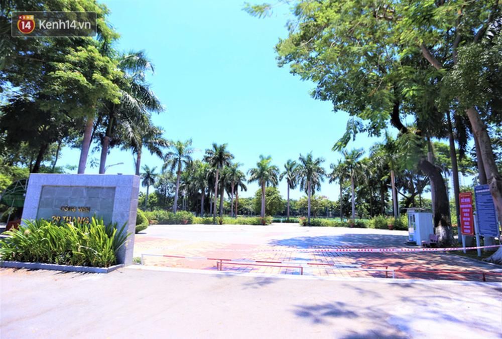 Toàn cảnh Đà Nẵng ngày đầu cách ly xã hội: Bãi biển không bóng người, bến xe dừng hoạt động - Ảnh 23.