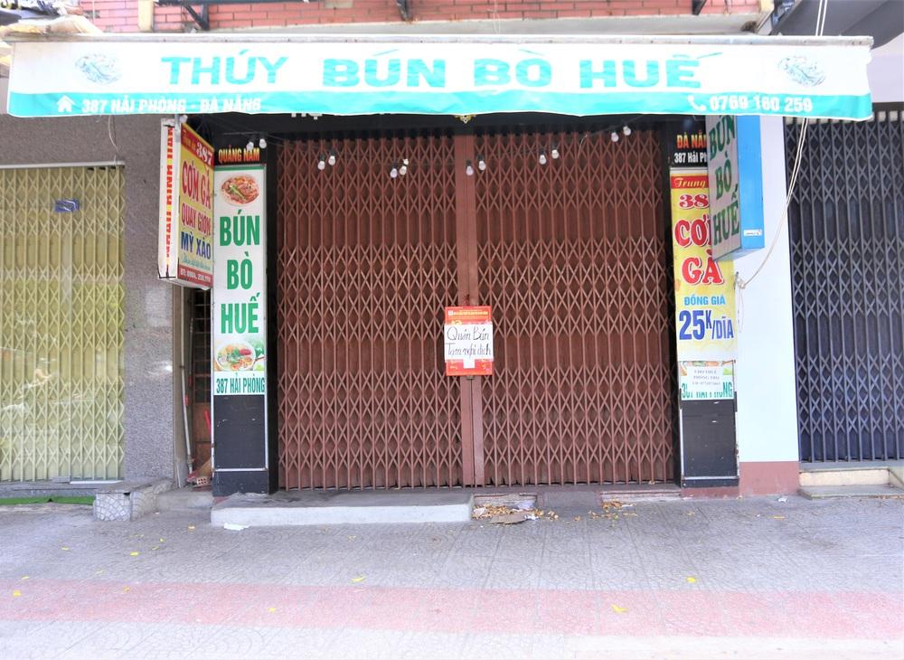 Chùm ảnh: Tất cả hàng quán ở Đà Nẵng chính thức đóng cửa, ngưng cả bán mang về từ 13 giờ chiều nay - Ảnh 5.