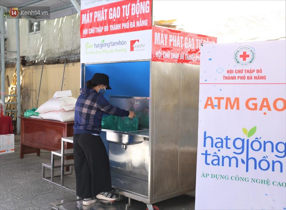 ATM gạo ứng dụng trí tuệ nhân tạo tại Đà Nẵng: Gọi điện hẹn trước 30 phút, nhận diện đúng người nghèo mới nhả gạo - Ảnh 10.