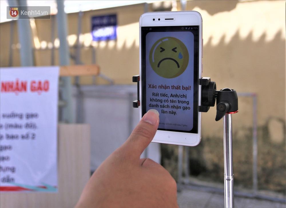ATM gạo ứng dụng trí tuệ nhân tạo tại Đà Nẵng: Gọi điện hẹn trước 30 phút, nhận diện đúng người nghèo mới nhả gạo - Ảnh 15.