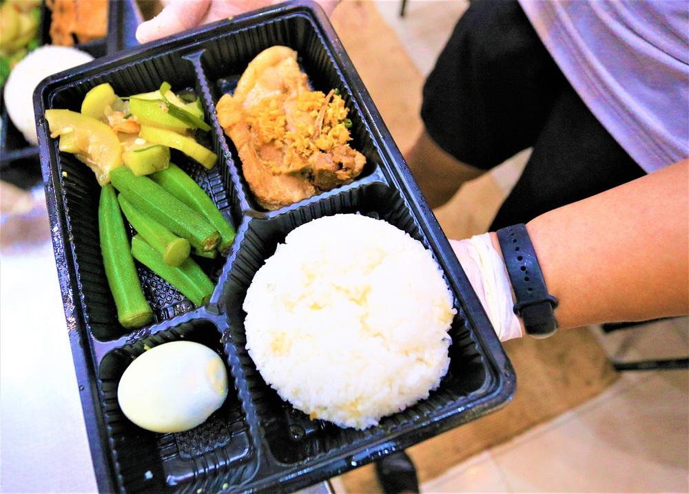 Người Đà Nẵng nấu hàng nghìn suất ăn VIP phục vụ miễn phí 3 Bệnh viện đang bị cách ly  - Ảnh 10.