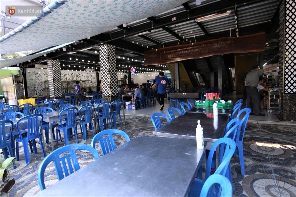 Nhiều hàng quán ở Đà Nẵng vẫn bất động dù đã được phép mở cửa, treo biển sang nhượng - Ảnh 16.