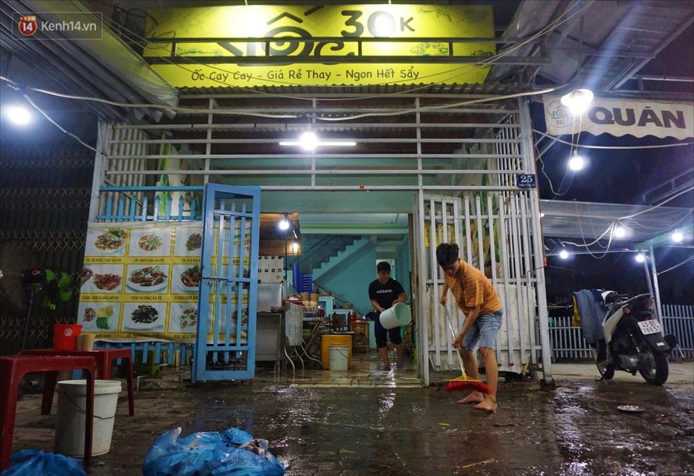 Nhiều hàng quán ở Đà Nẵng vẫn bất động dù đã được phép mở cửa, treo biển sang nhượng - Ảnh 15.