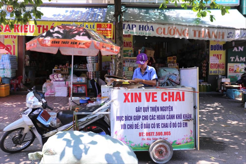 Chàng trai 18 tuổi có trí nhớ 5 phút hơn 6 năm nhặt rác, xin ve chai để làm từ thiện ở Đà Nẵng - Ảnh 4.