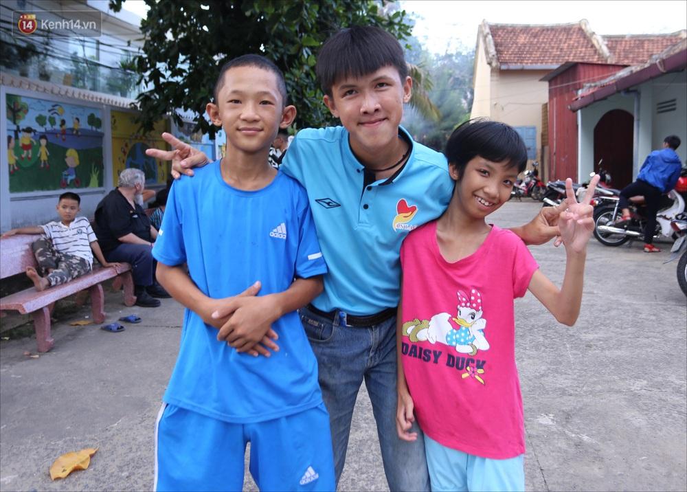 Chàng trai 18 tuổi có trí nhớ 5 phút hơn 6 năm nhặt rác, xin ve chai để làm từ thiện ở Đà Nẵng - Ảnh 11.