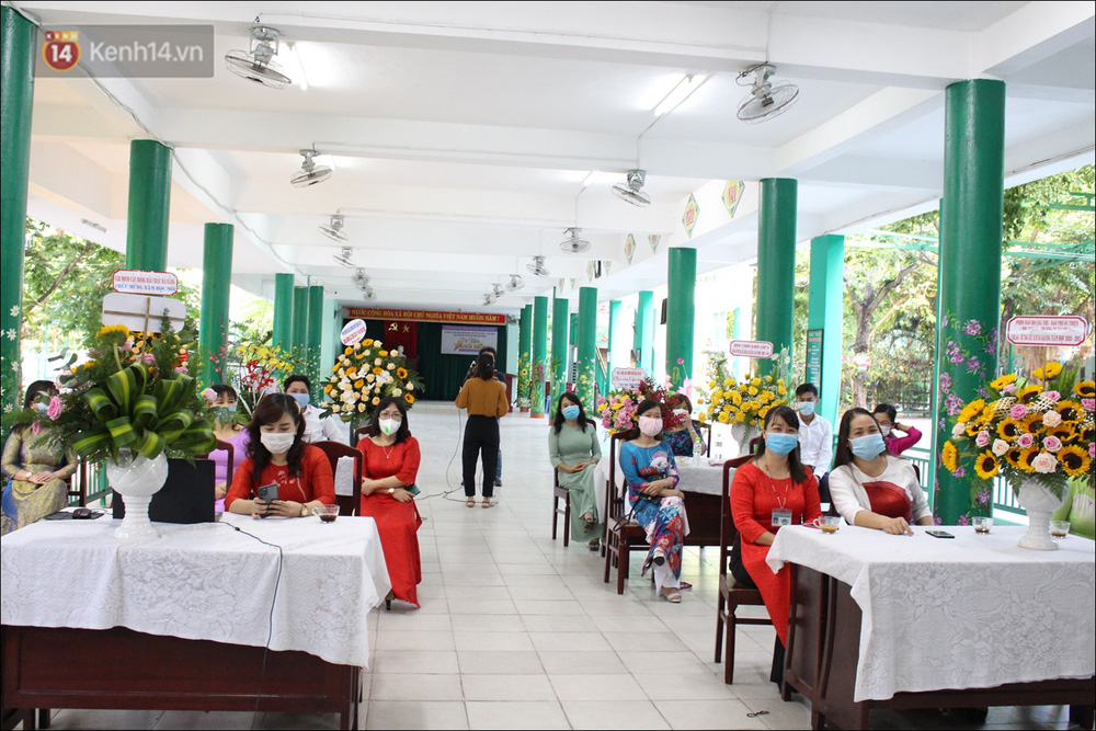 Nữ hiệu trưởng tại Đà Nẵng: 30 năm đi dạy, lần đầu tiên khai giảng không có học sinh - Ảnh 1.