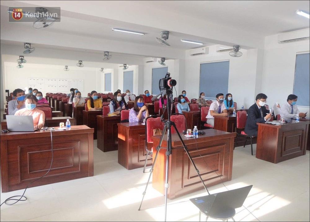 Nữ hiệu trưởng tại Đà Nẵng: 30 năm đi dạy, lần đầu tiên khai giảng không có học sinh - Ảnh 13.