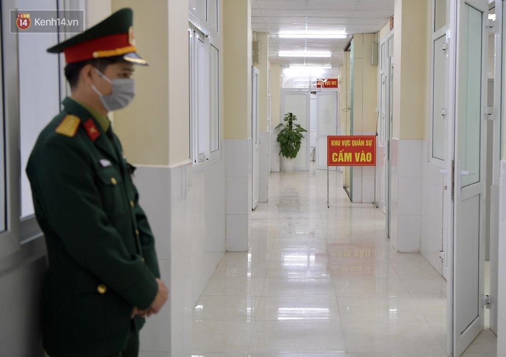 Ảnh, clip: Cận cảnh mũi tiêm vaccine Covid-19 đầu tiên trên người của Việt Nam - Ảnh 12.