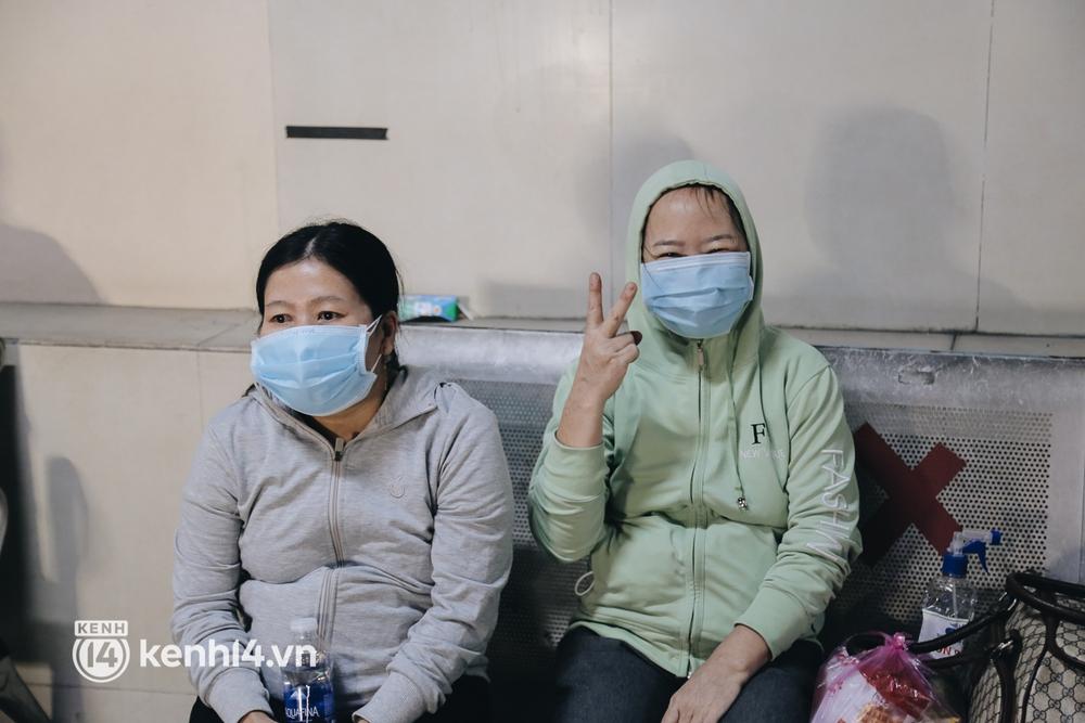 Được lên xe giường nằm trở về quê sau 4 tháng Sài Gòn giãn cách, nhiều khách háo hức cười tít mắt! - Ảnh 7.