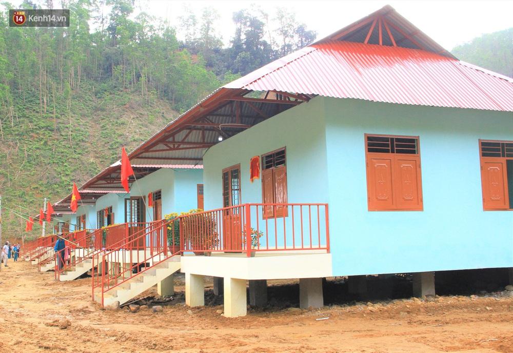 Người dân vùng sạt lở Trà Leng đón Tết ấm cúng trong những căn nhà mới - Ảnh 4.