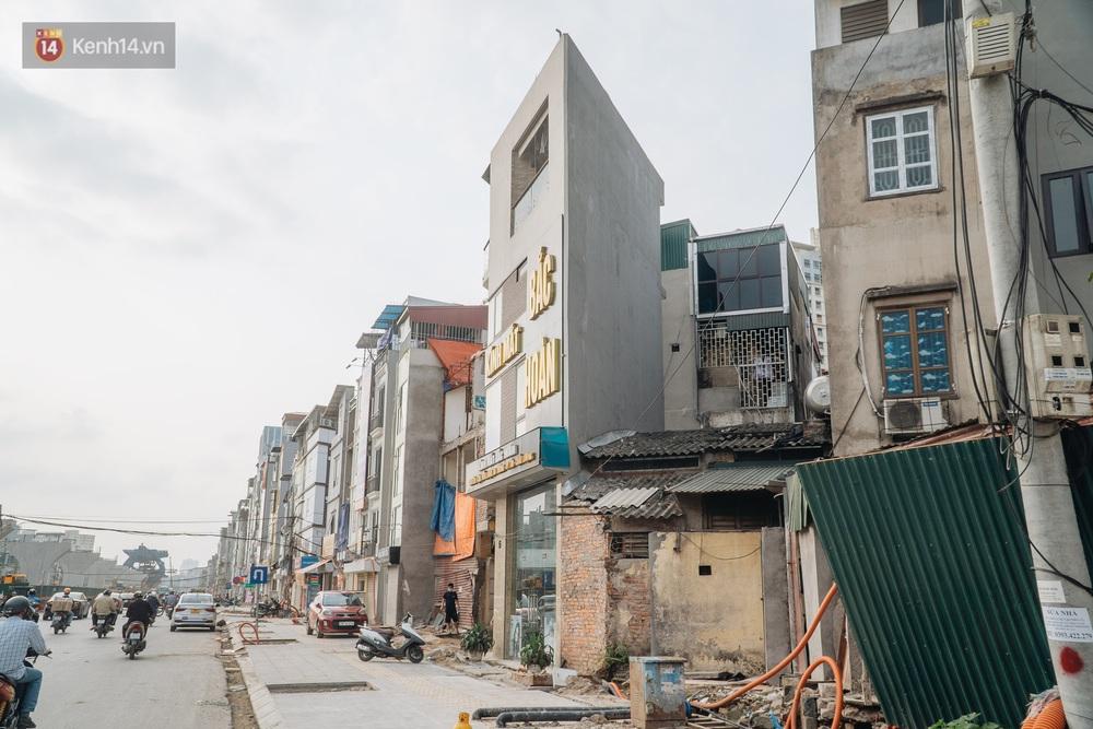 Những ngôi nhà kì dị ở Hà Nội: Nhà hẳn... 4 mặt tiền, nhà thì siêu mỏng siêu nhỏ - Ảnh 4.
