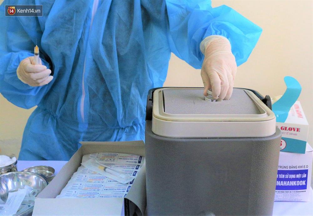 Ảnh: Những người đầu tiên ở Đà Nẵng được tiêm vắc xin Covid-19 - Ảnh 9.