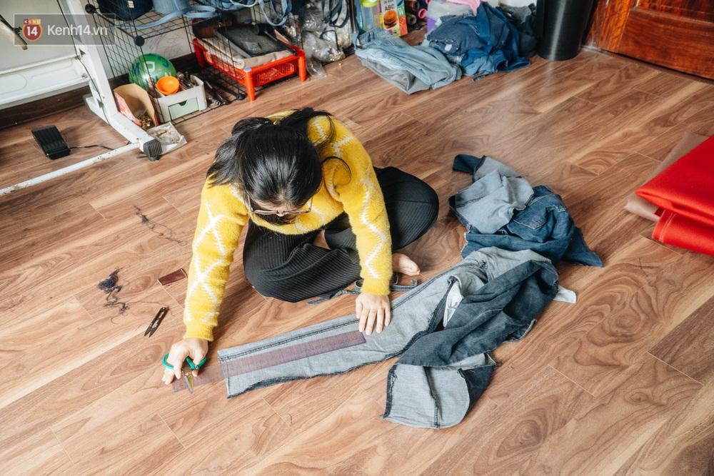 Người phụ nữ Hà Nội vượt mặc cảm bệnh tật, nghỉ việc công ty, chế tạo túi xách từ quần jeans cũ - Ảnh 7.
