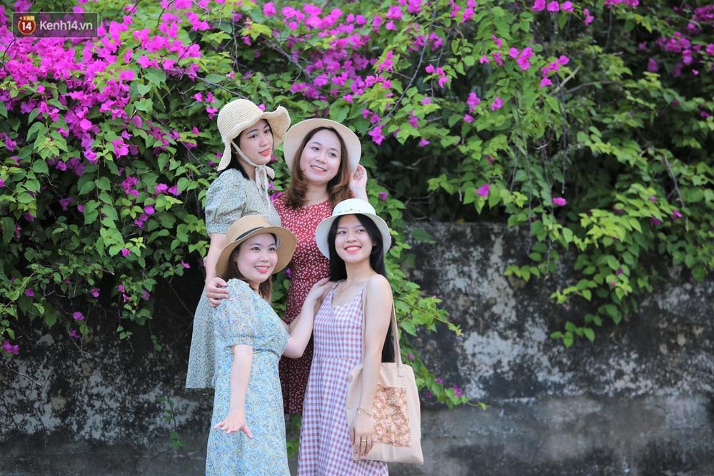 """""""Con đường hoa giấy"""" ở Đà Nẵng có gì hot mà giới trẻ rần rần kéo đến check-in? - Ảnh 9."""