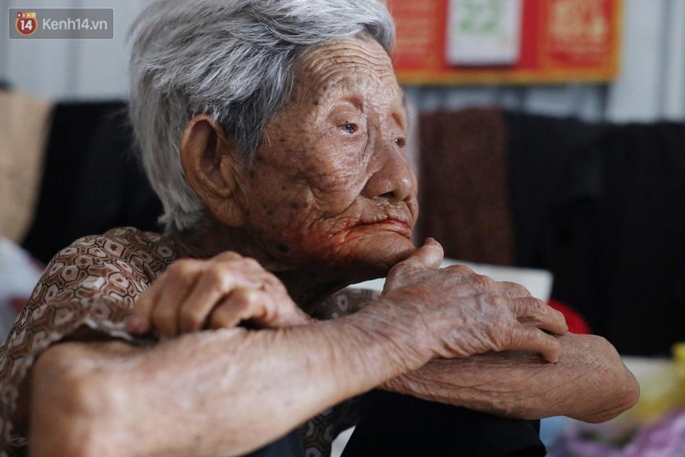 Về miền Tây nghe cụ Út hài hước kể chuyện một đời lo chữ hiếu: Tui đợi má mất thì sẽ lấy chồng, dè đâu má thọ 100 tuổi - Ảnh 3.