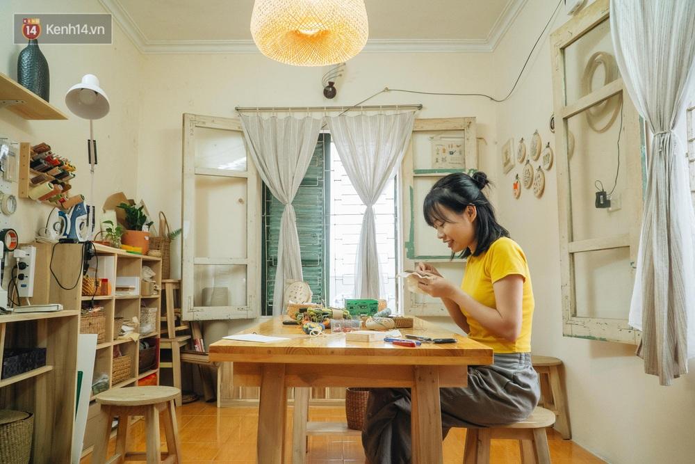 Cô gái bỏ nghề kiến trúc, theo đuổi đam mê với... kim chỉ: Bạn lựa chọn được đi làm hay lại phải đi làm? - Ảnh 3.