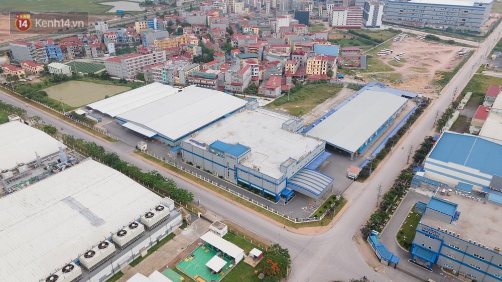 Cận cảnh phong toả công ty Hosiden - ổ dịch hơn 200 ca Covid-19 ở Bắc Giang - Ảnh 3.