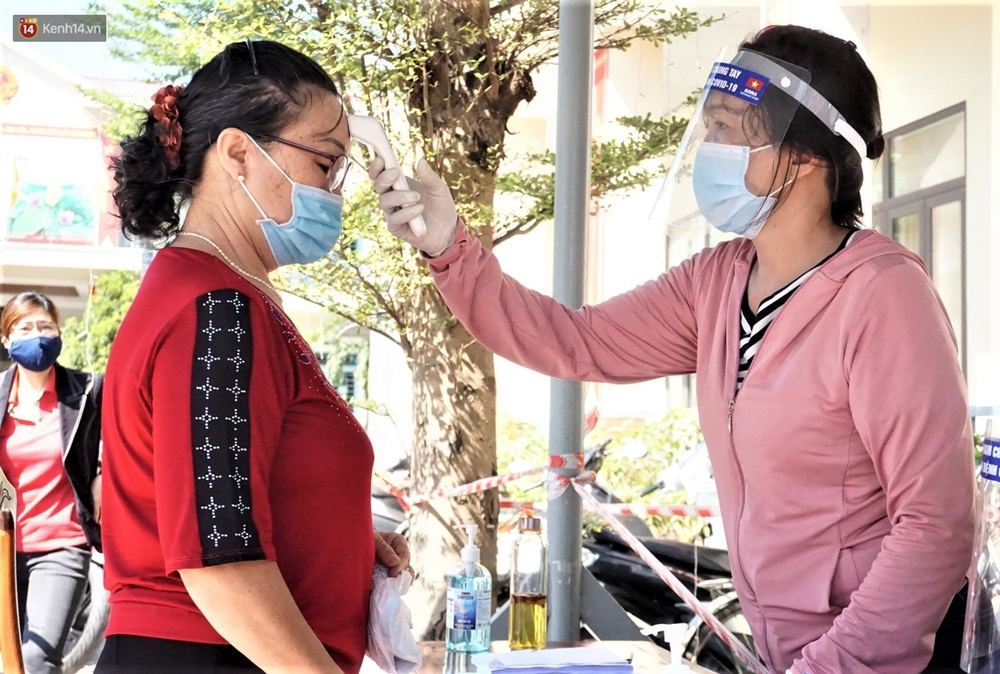 Những cử tri đặc biệt bỏ phiếu bầu cử ở Đà Nẵng - Ảnh 3.