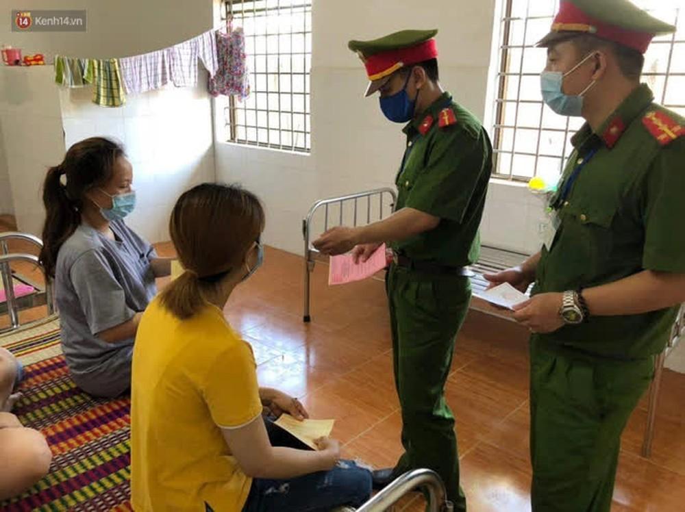Những cử tri đặc biệt bỏ phiếu bầu cử ở Đà Nẵng - Ảnh 13.