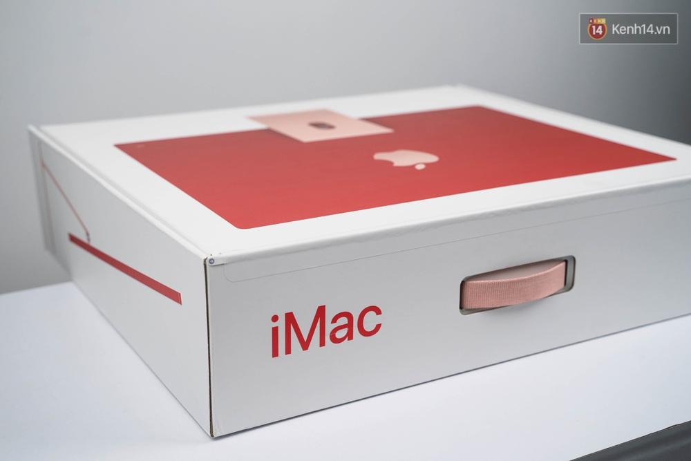 Mở hộp chiếc iMac 2021 đỏ kiêu sa sang chảnh vừa về Việt Nam, nhìn là muốn chốt đơn ngay! - Ảnh 4.