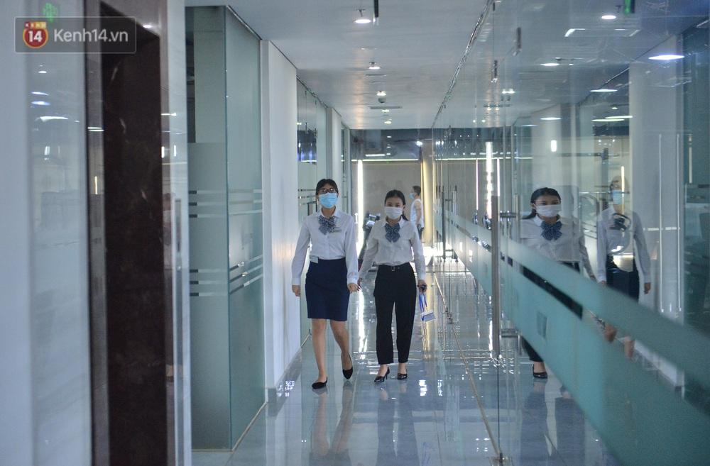 Hà Nội: Cư dân bất an sau vụ 46 người Trung Quốc nhập cảnh trái phép, thuê chung cư sinh sống - Ảnh 9.