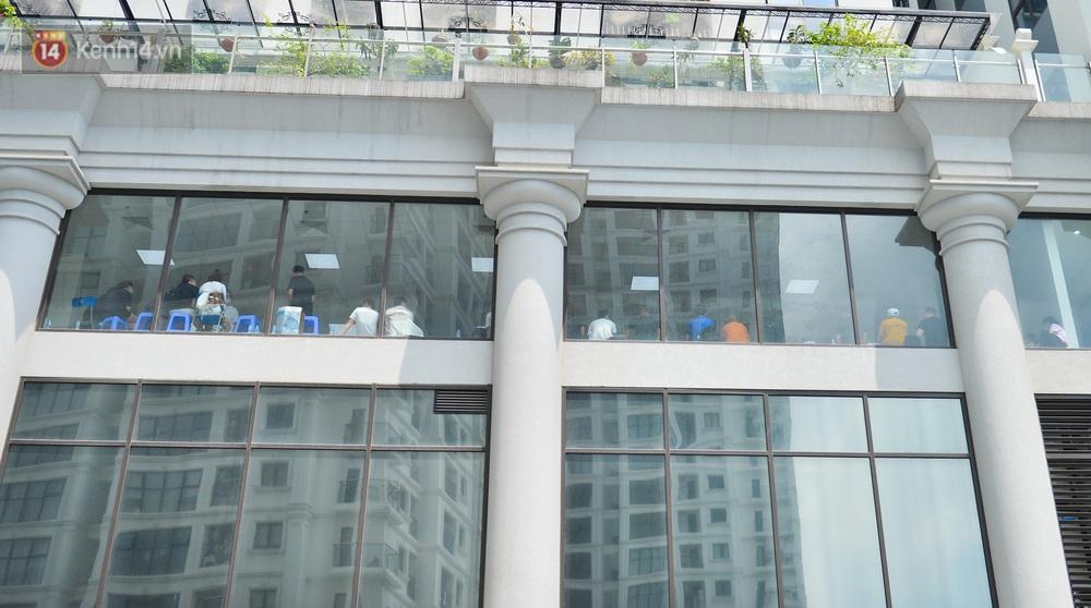 Hà Nội: Cư dân bất an sau vụ 46 người Trung Quốc nhập cảnh trái phép, thuê chung cư sinh sống - Ảnh 6.