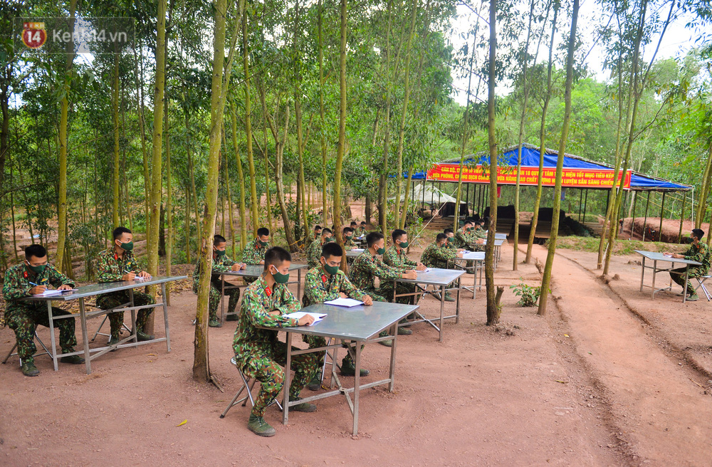 Cuộc hành quân thần tốc trong đêm của chiến sĩ Bắc Giang để nhường doanh trại cho người dân cách ly - Ảnh 12.