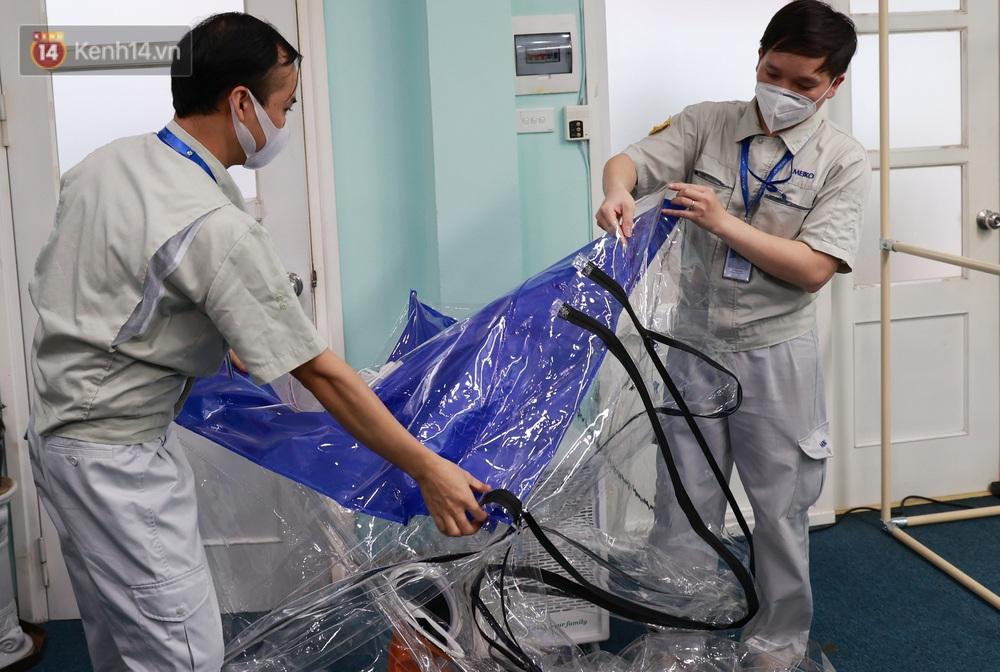 Cận cảnh buồng lấy mẫu xét nghiệm Covid-19 di động: Chi phí chỉ 10 triệu, giúp nhân viên y tế thoát khỏi đồ bảo hộ - Ảnh 6.