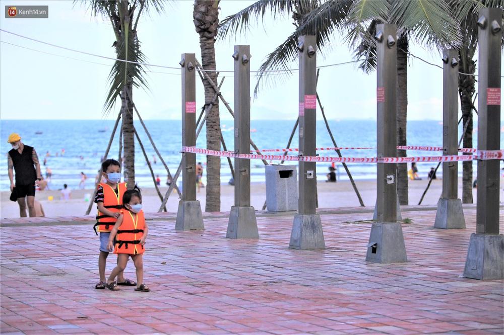 Ảnh: Nhịp sống Đà Nẵng ngày đầu tiên nới lỏng giãn cách - Ảnh 16.