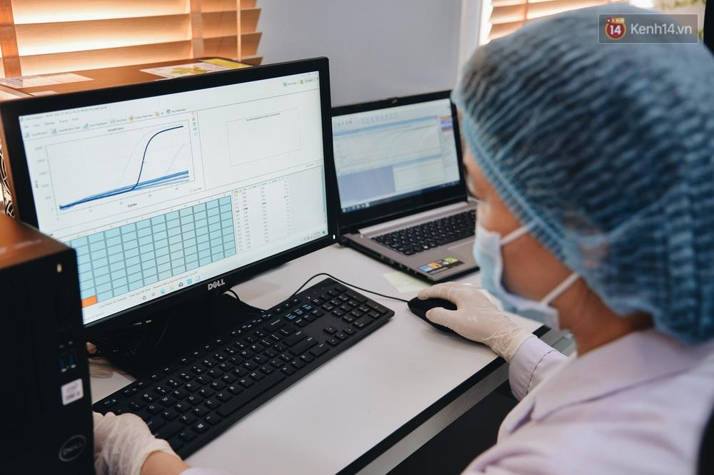 Bên trong xe labo di động ở TP.HCM có thể xét nghiệm 1.200 mẫu đơn/ngày bằng RT-PCR - Ảnh 6.