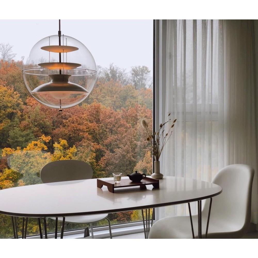 Căn hộ Hàn Quốc với cửa kính tràn màn hình nhìn ra chiếc view đẹp như tranh, decor tinh giản nhưng sang quá đỗi - Ảnh 3.