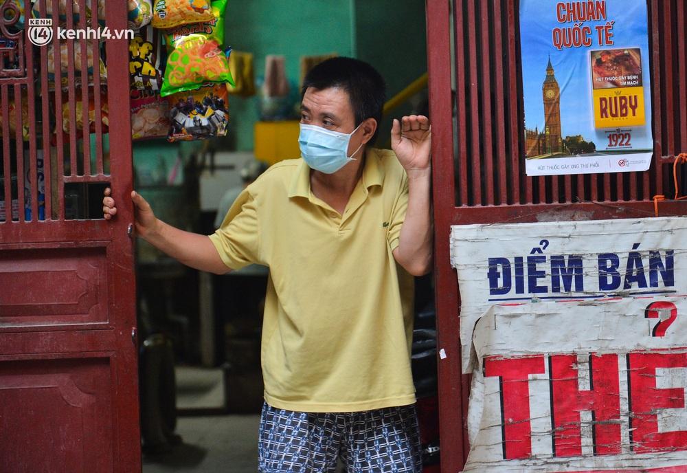 Hà Nội: Phong toả con ngõ tại quận Đống Đa, đưa ca bệnh từ F1 trở thành F0 đi cách ly - Ảnh 6.