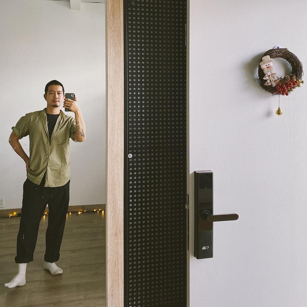 Chàng thợ xăm cải tạo chung cư cũ với 300 triệu, diện tích chỉ 30m2 nhưng nhìn ảnh before - after vẫn thấy trầm trồ - Ảnh 1.