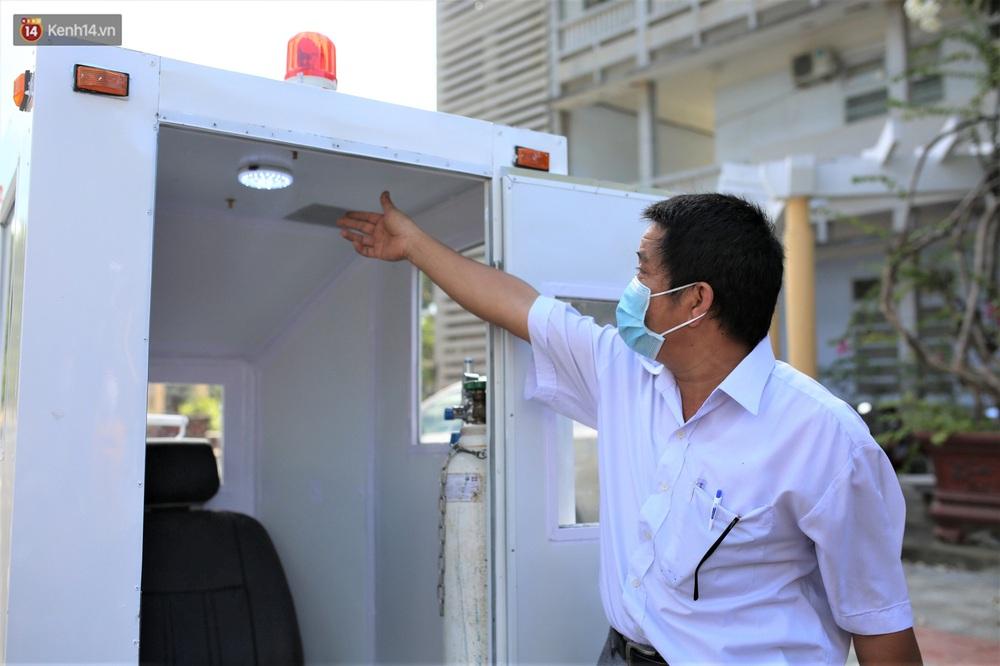 Giảng viên ĐH Bách Khoa sáng chế cabin chở bệnh nhân COVID-19 trong khu cách ly - Ảnh 1.