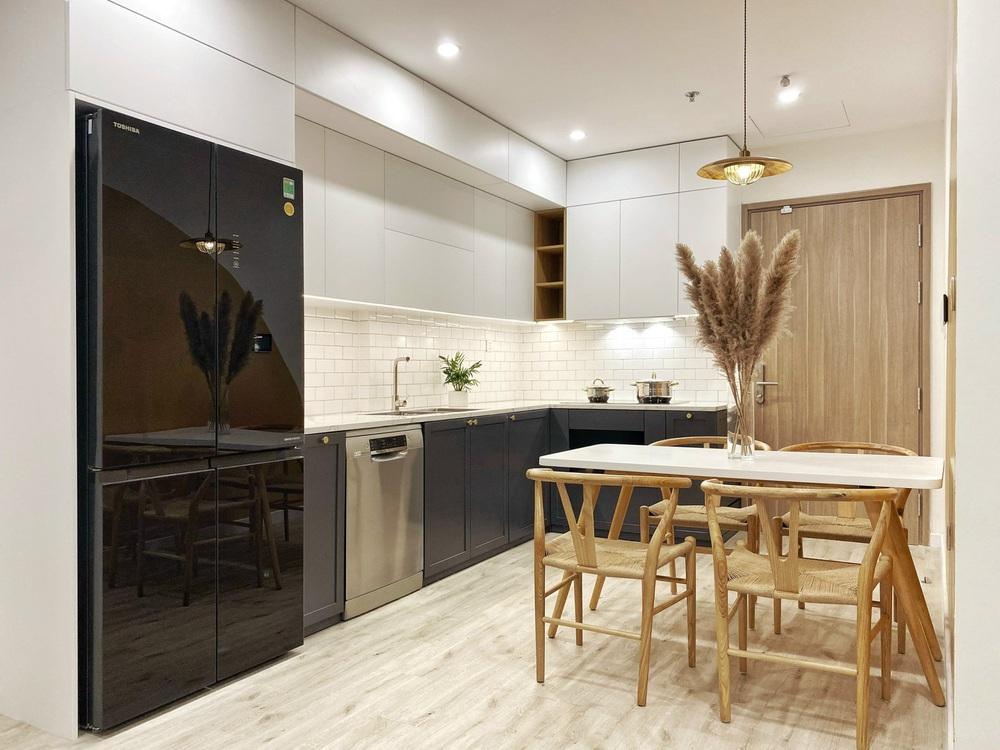 Cạn tiền sau khi mua nhà, vợ chồng trẻ chỉ chi 210 triệu làm nội thất nhưng thành quả miễn chê, ai nhìn cũng khen hợp lý - Ảnh 4.