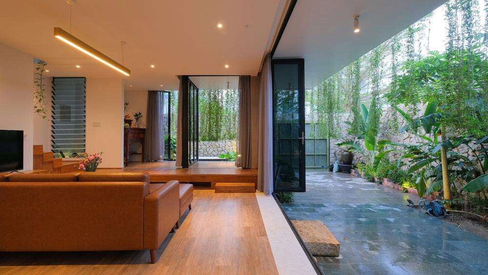 Ở đây có căn biệt thự nhiệt đới ngập cây xanh, bước vào bên trong càng wow hơn nữa vì không gian chill hệt như resort  - Ảnh 6.