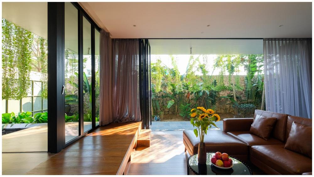 Ở đây có căn biệt thự nhiệt đới ngập cây xanh, bước vào bên trong càng wow hơn nữa vì không gian chill hệt như resort  - Ảnh 8.