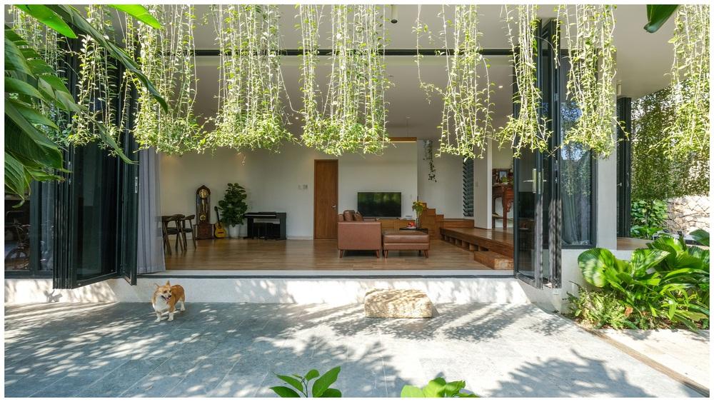 Ở đây có căn biệt thự nhiệt đới ngập cây xanh, bước vào bên trong càng wow hơn nữa vì không gian chill hệt như resort  - Ảnh 7.