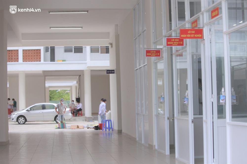 Ảnh: Cận cảnh Bệnh viện dã chiến số 1 điều trị bệnh nhân COVID-19 ở Đà Nẵng - Ảnh 2.