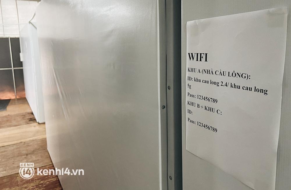 Cận cảnh khu điều trị Covid-19 trên sân bóng đá đầu tiên ở Sài Gòn vừa chính thức đón F0 - Ảnh 11.